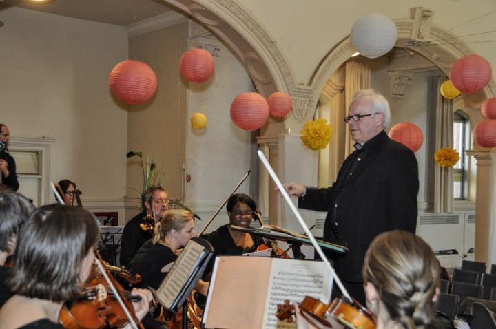 Jean-Pierre_Brunet_conducting